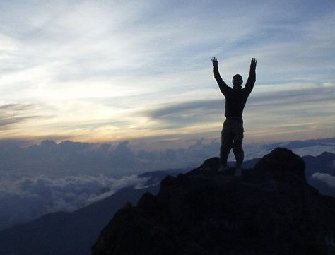 Volcan Baru, but hike on our own and summit at dawn (check!)