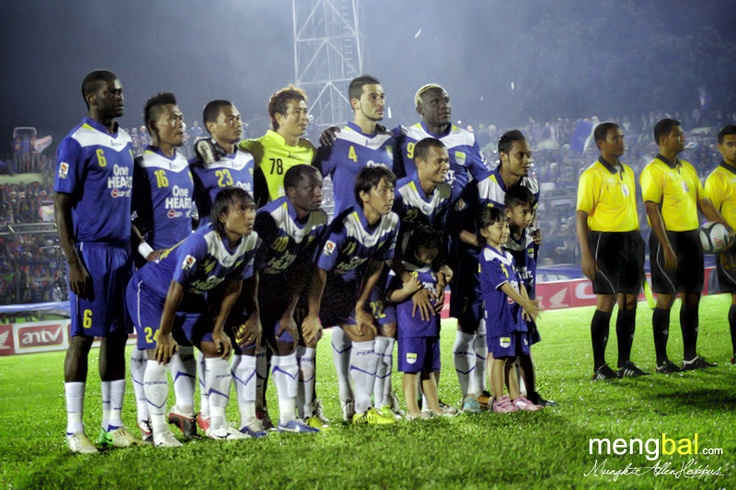 Persib vs Persipura : Persib starting line up against Persipura 13 january 2013