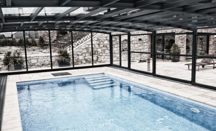 Pool Enclosure POPP PRESTIGE P3 keep very comfortable water temperature for swimming even in spring & autumn