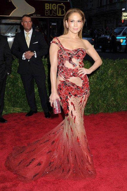Jennifer Lopaz in Atelier Versace