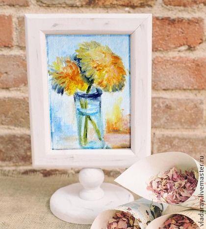 мини картина `Весенние одуванчики`. Картина 'Весенние одуванчики' написана в свежей весенней гамме. Желто-оранжевые одуванчики, зеленые стебли, голубые тени создают атмосферу тепла и солнца.      Серия мини-картин создана для тех, кому нравятся миниатюрные изображения.