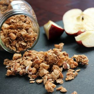 APPLE CINNAMON GRANOLA,clean eating snack, afternoon snack, healthy snack, prefect snack, after school snack, 21 day fix approved snack