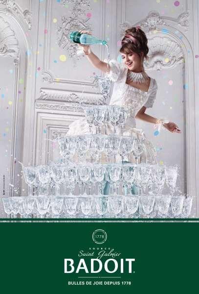 Badoit sort sa nouvelle campagne intitulée «Bulles de joie depuis 1778″. Ce spot imaginé par l'agence BETC et réalisé par Matthew Frost