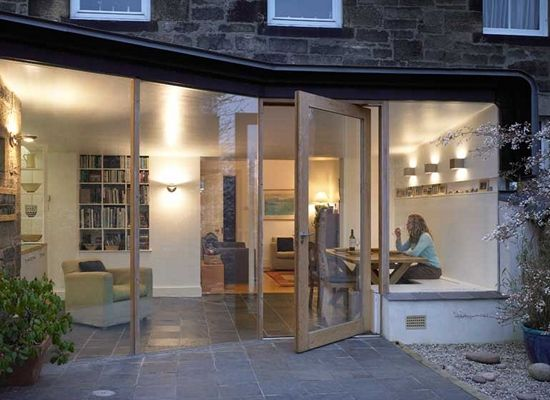Like the bench seat in window on this angled extension