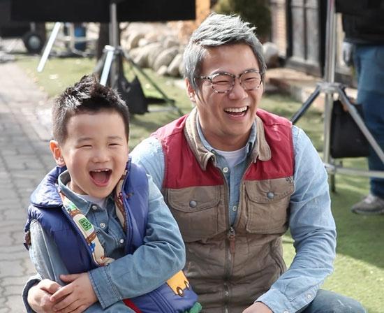 Yoon Min Soo & Yoon Hoo - CF BTS Picture