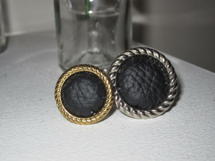 Leather + Thrift shop button = ring | Leth.it.be.