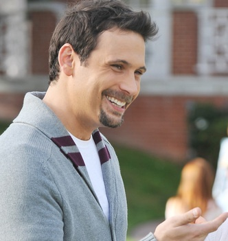 "Jeremy Sisto, bad boy crazy younger brother on ""Six Feet Under"" to hot, young dad on ""Suburgatory""."