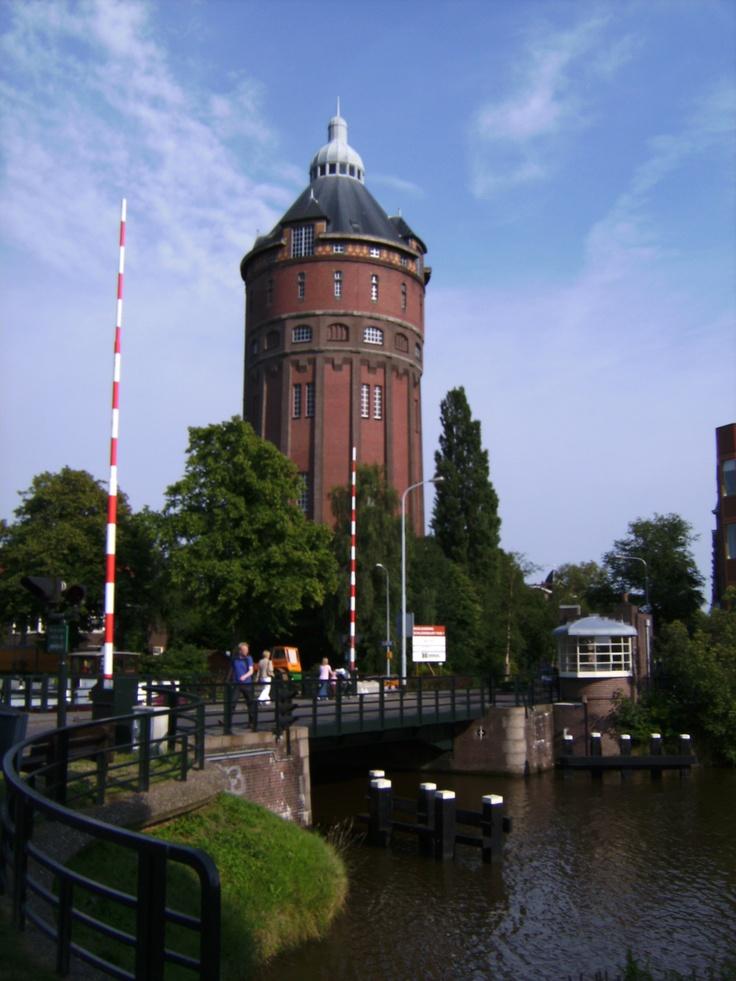 Groningen Netherlands...Deze watertoren staat op de hoek van de Dr. C. Hofstede de Grootkade en de Herman Colleniusstraat. De toren speelde een rol van betekenis bij de bevrijding van Groningen in 1945. De watertoren is een ontwerp van stadsarchitect J.A. Mulock Houwer (1857-1933).