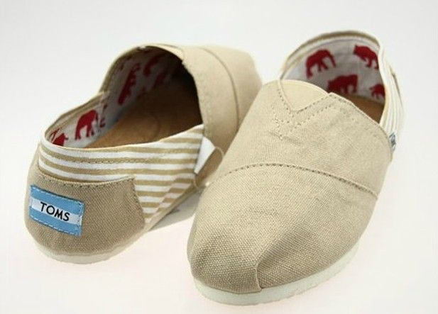 TOMS Classic Canvas Shoes For Women