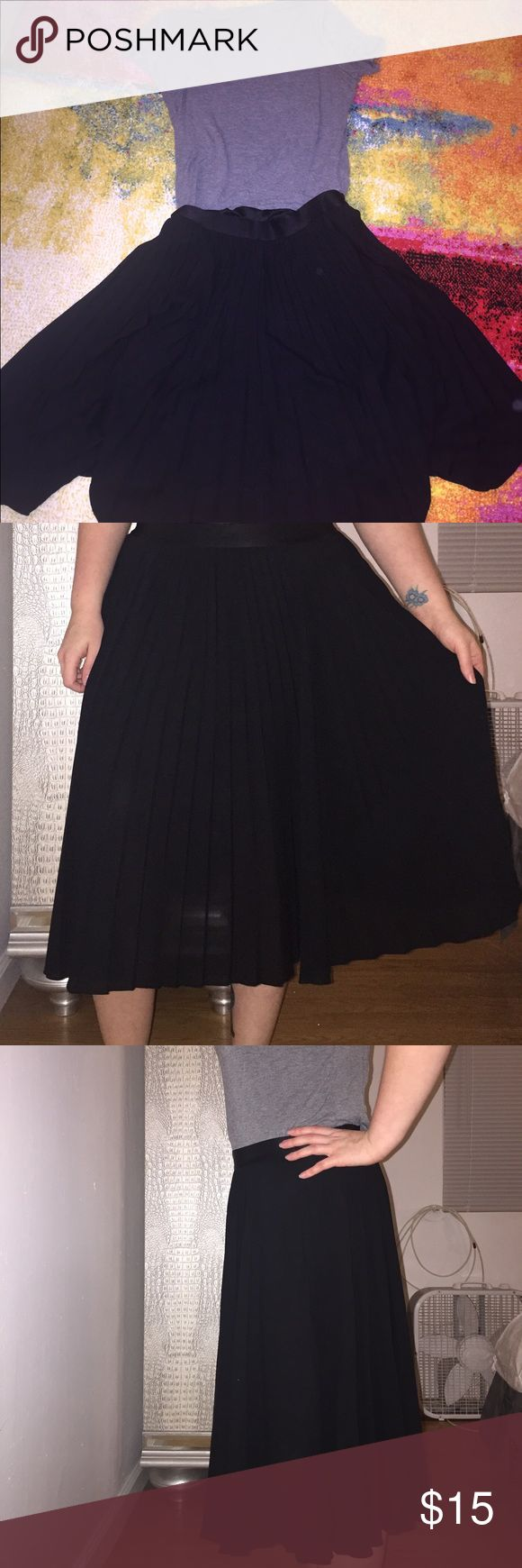 Express L Black Pleated Skirt Gently used black Express skirt, size large. Skirt is pleated with elastic waist. Perfect for work or a night out! Skirt hits at mid calf. No stains or tears. Comes from a pet and smoke free home. Express Skirts A-Line or Full