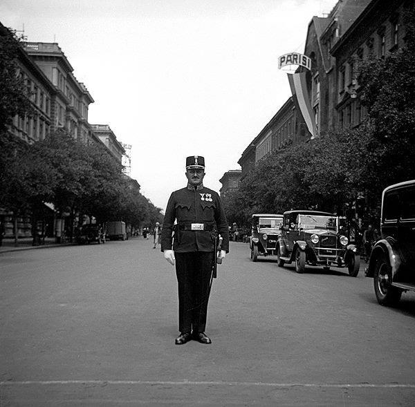 Andrassy street_1920th