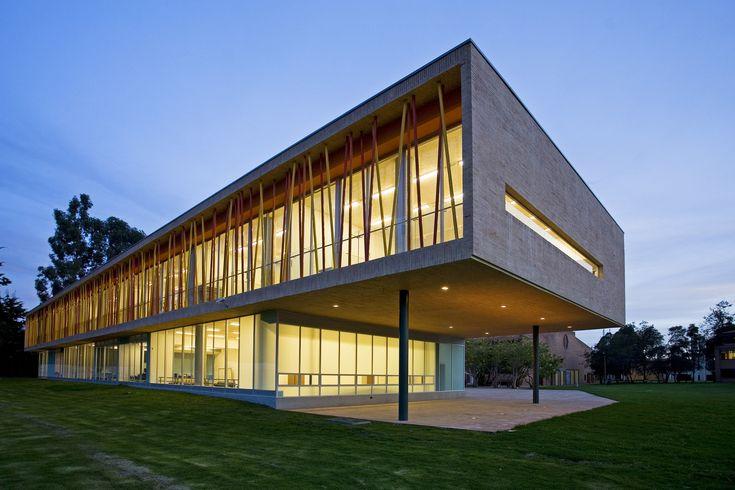 Gallery of Los Nogales School / Daniel Bonilla Arquitectos - 1