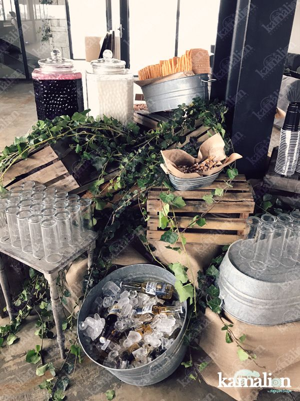 www.kamalion.com.mx - Mesa de botanas / Snack Bar / frituras / Rustic / Vintage / Wood / Decor / Madera / Wedding / Metal / Tina / Aguas frescas / Water station / Beer