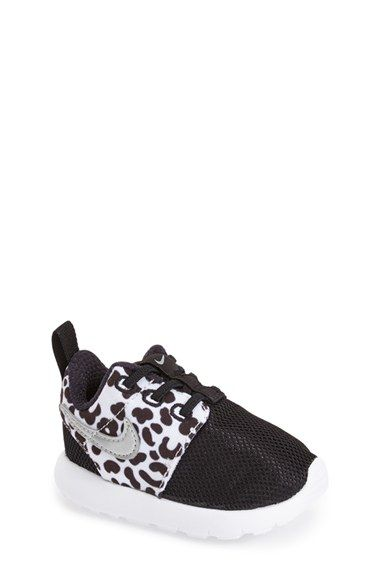 Free shipping and returns on Nike 'Roshe Run' Sneaker (Baby, Walker & Toddler) at Nordstrom.com. Cast in a neo-futuristic silhouette, this pintsize version of a classic Nike sneaker features lightweight mesh construction and no-frills design.