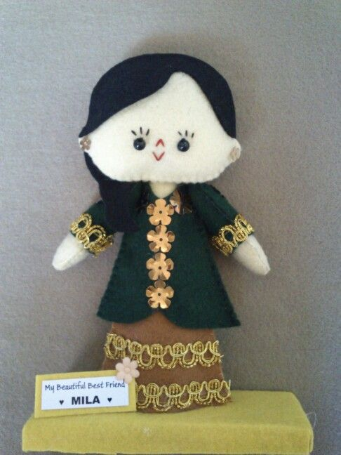 Hi, this cute feltdoll is wearing kebaya, made by Pipi Flanel.. Wanna see our feltdolls collection? Please visit our website at www.pipiflanel.com thank you :)