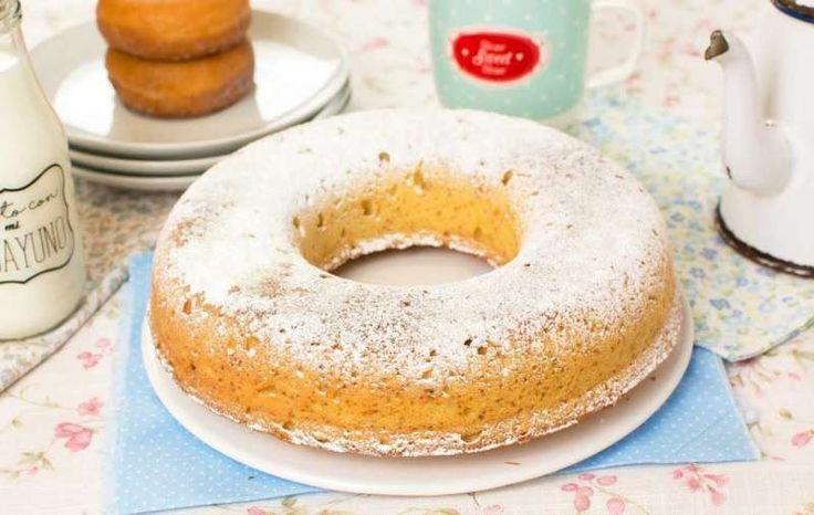 Vídeo de cómo hacer paso a paso un delicioso y tierno bizcocho de Donuts.