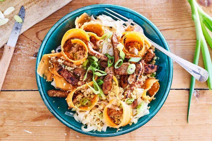 Naast échte noedels eet je vanavond oranje noedel-lookalikes: wortellinten - Recept - Allerhande