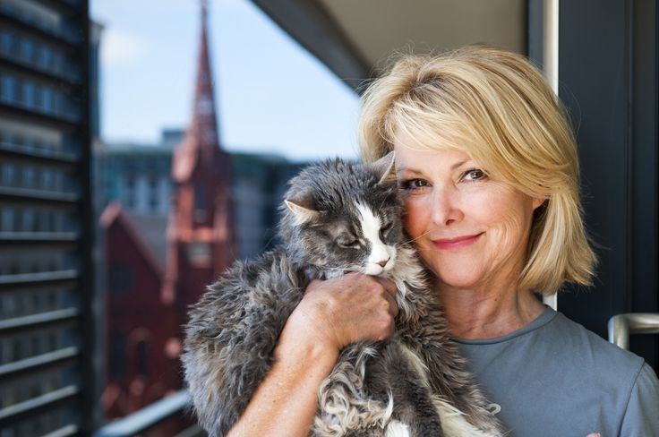 Wendy Rieger of NBC4 rediscovers the District by moving into CityCenter, in the middle of it. Her Maine Coon Cat Rudy is 16.