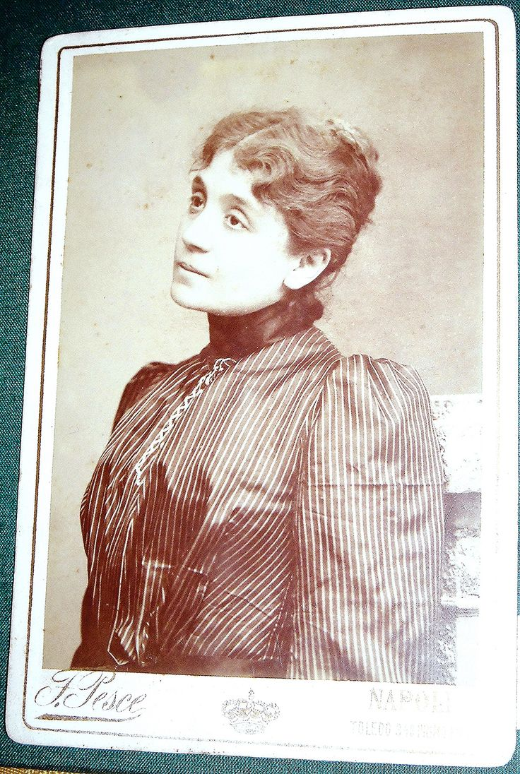 Eleonora Duse (Vigevano 1858-Pittsburgh 1924), actress - Photographer A. Pesce, Naples, end 19th century - Photographic portraits - Exhibition at National Library of Naples