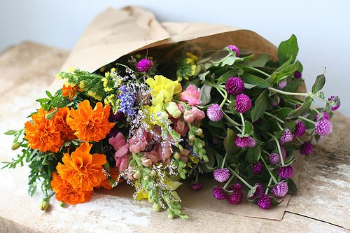 .Wild Flower, Wildflowers, Brown Paper, Wedding Ideas, Wedding Bouquets, Farmers Marketing, Fresh Flower, Wedding Flower, Cut Flower