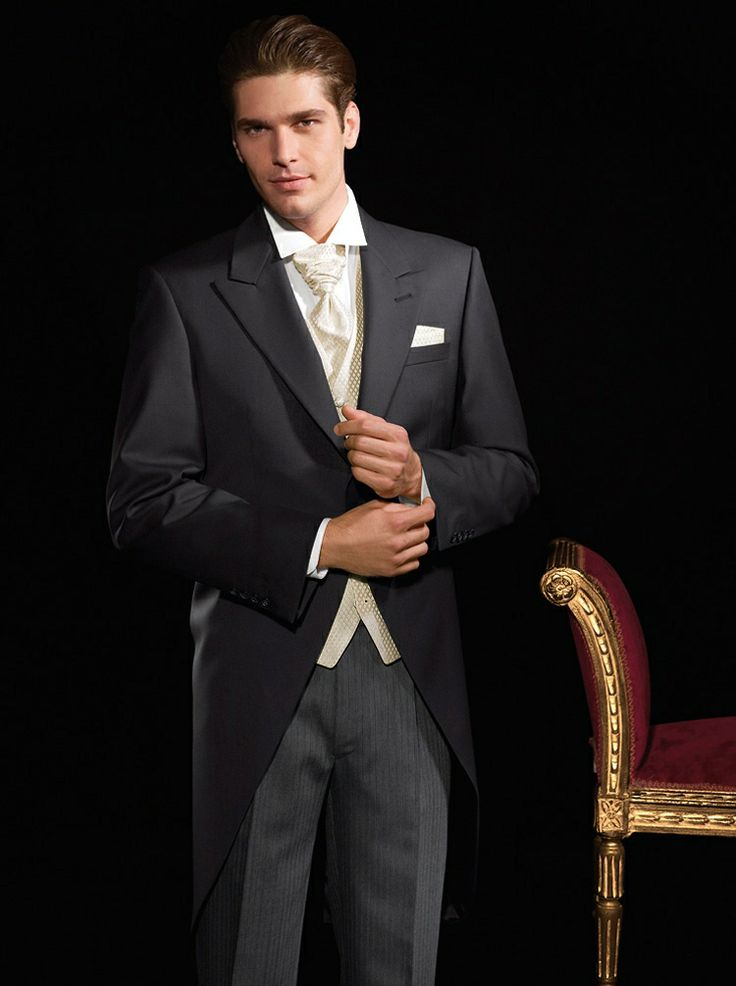 Robert Ashworth Groom/Usher morning suit