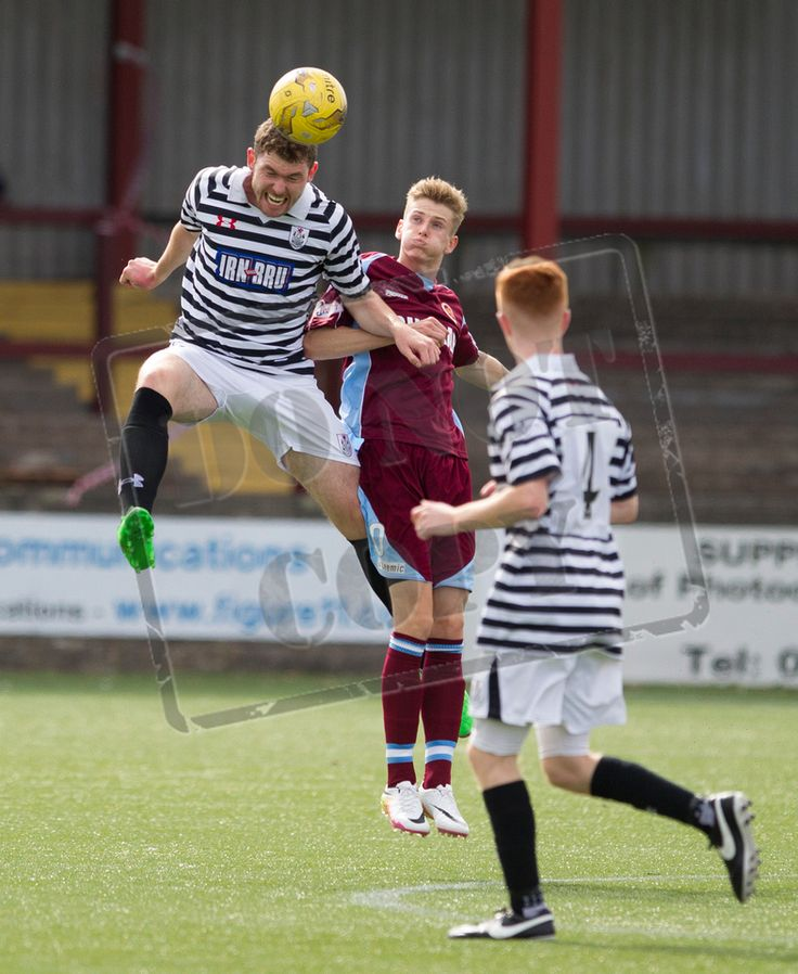Queen's Park's Ryan McGeever in action during the Ladbrokes League One game between Stenhousemuir and Queen's Park.