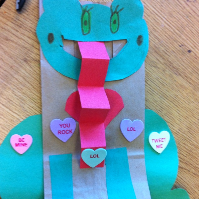 valentines frog bag school holiday craftsfrogs - Valentine Bags For School