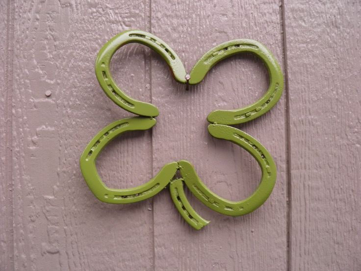 Best 25 horseshoe projects ideas on pinterest horseshoe for Old horseshoe projects