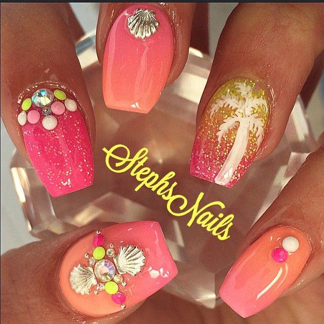 Beachy nails <3