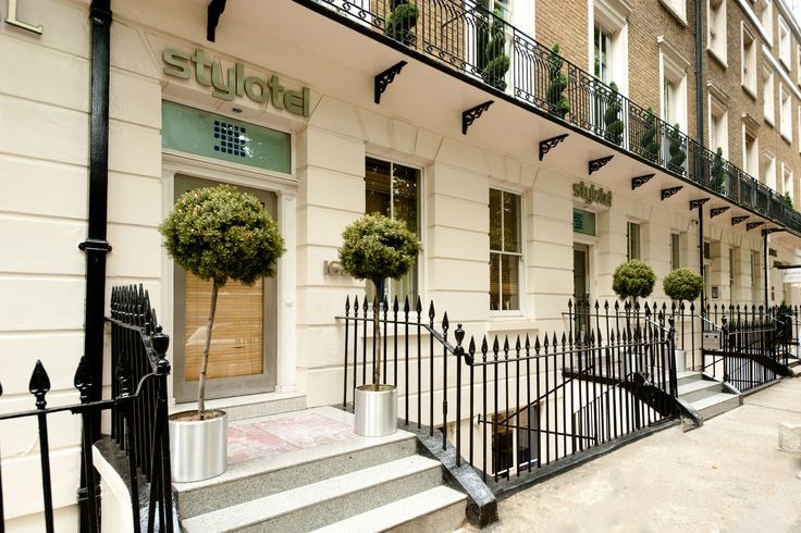 Take a peek at our list of the best cheap hotels in London and save your pennies for exploring.