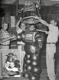 Résultats de recherche d'images pour «Robby el robot»