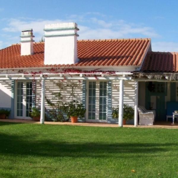 Casa de Campo, Aluguer de Férias em Carvalhal Reserve e Alugue - 4 Quarto(s), 4.0 Casa(s) de Banho, Para 10 Pessoas - Casa de férias com piscina em Brejos Carregueira da de Baixo, Costa de Lisboa