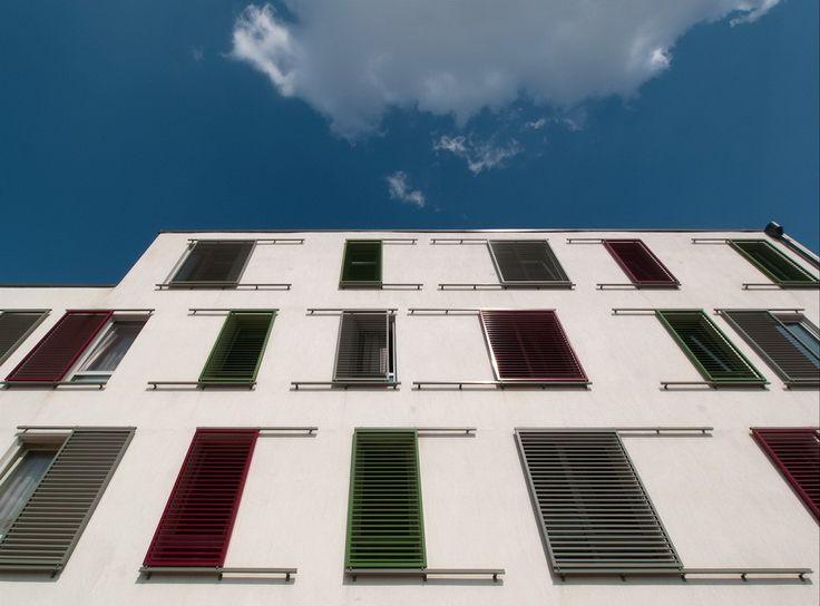 Szociális bérlakások, Pécs, #árnyékoló, #építészet, #tolható, #alumínium, #zsalu