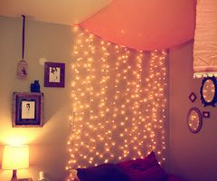 Best 25 christmas lights in bedroom ideas only on pinterest for White christmas lights bedroom