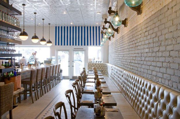 A trip to LA's beachside city isn't complete without fresh #seafood for #lunch. Check out Blue Plate Oysterette for their lobster rolls, ceviche, seared ahi tacos and more. #foodie #yum