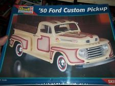 REVELL MONOGRAM 1950 FORD F-1 PICKUP CUSTOM 1/25 Model Car Mountain KIT FS