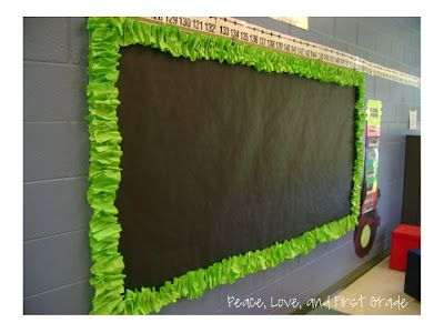 Tutorial for making scrunchy border from bulletin board paper from Peace, Love, and First Grade