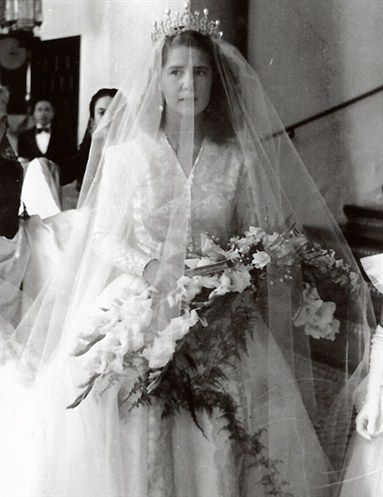 The Duchess of Montoro (Cayetana Fitz-James Stuart) at her first wedding in 1947 - now Duchess of Alba in 1956 ~one of the premier grandees of the Kingdom of Spain, holding the Guinness record for most titles of a single person in the world. Her full name is Maria del Rosario Cayetana Fitz-James Stuart y Silva 18th Duchess of Alba, and she is a descendant of King James II of England and Scotland, through the Dukes of Berwick. She was born in 1926 & was a great beauty in her youth.
