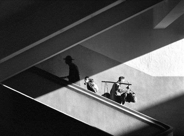 Photo by the acclaimed Chinese photographer Fan Ho (via hongwrong.com) Scan your old photos with Pic Scanner app for iPhone and iPad