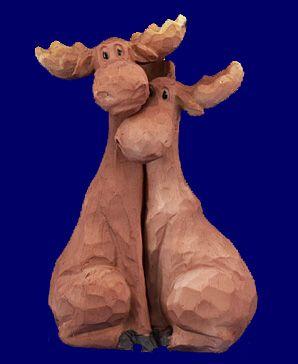 Hugging Moose Couple Figurine - Home Decor