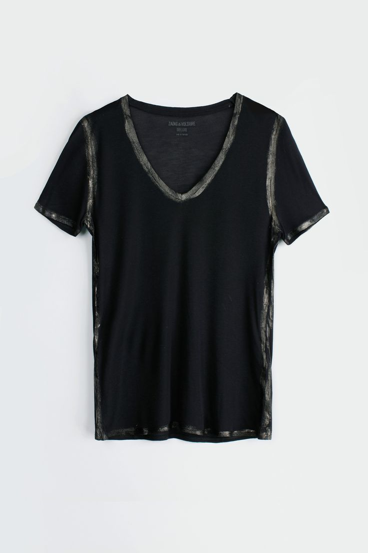 Zadig et Voltaire T shirt, U neck, short sleeves, rounded bottom, displaced seams on the sides, 100% modal