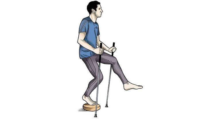 Agachamento Pistol (unilateral)  Usando bastões para se equilibrar, fique em uma perna só sobre um disco de estabilidade. Estenda a outra perna à frente e agache, como se fosse sentar em uma cadeira.  Faça três séries de 25 movimentos com cada perna.
