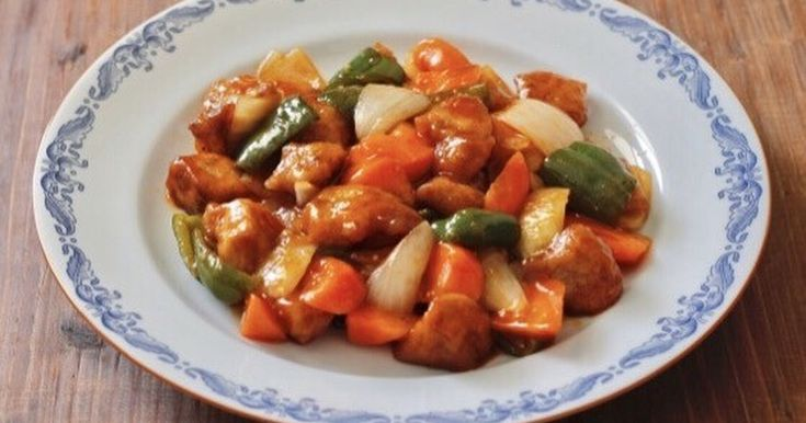 みんな大好き基本の中華☆ 甘酢あんをたっぷり絡めて大満足のボリュームおかず♪ 野菜はレンジで簡単に♪