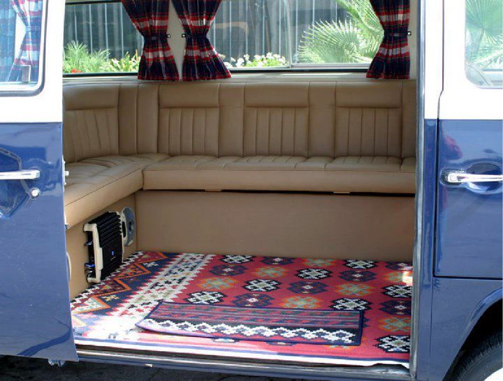 Kombi interior vanlife pinterest interiors and kombi for Vw kombi interior designs