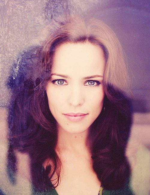 Rachel McAdams; i know it's just the window reflection but what AWESOME hair color and dye job that would be!!