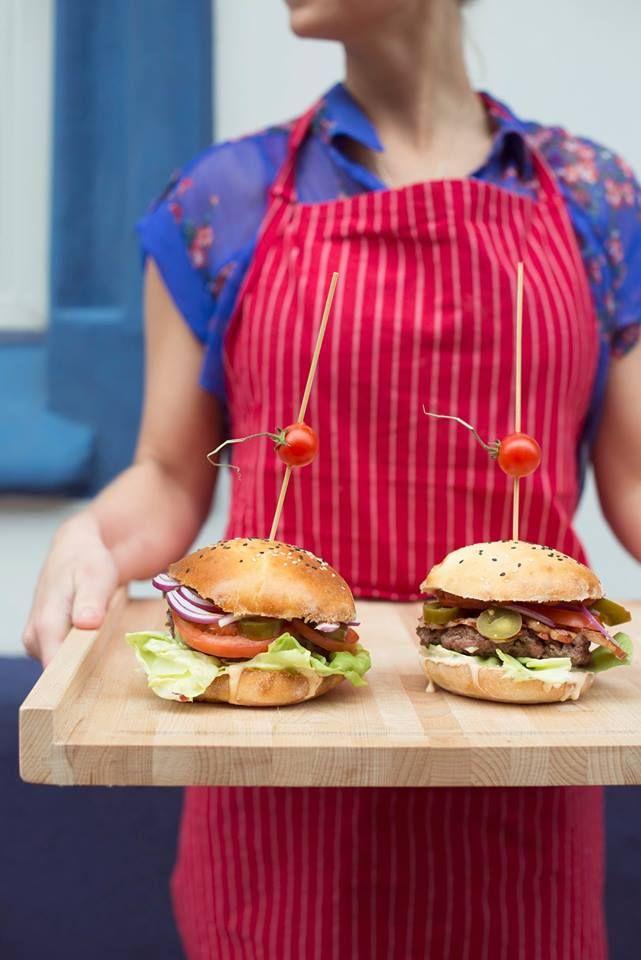 Burgery #burger Buły do burgerów są wyjątkowe, bo dostępne wyłącznie w Drodze Mlecznej. Dlaczego? Bo wypiekamy je sami ;)