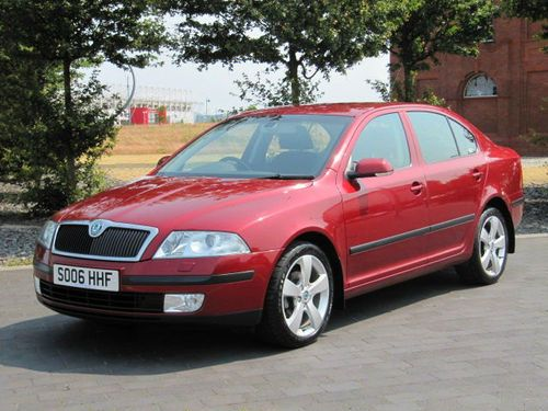 2006 SKODA OCTAVIA 1.9 TDi ELEGANCE DIESEL * 1 OWNER & FULL SERVICE HISTORY £4750 www.thecarwarehouse.co.uk