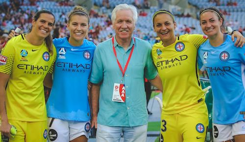 Lydia Williams, Alanna Kennedy, Melissa Hudson with former #Matildas and #USWNT coach, Tom Sermanni at #WLeague last night. Photo by Ann Odong 🌈. 02.01.18