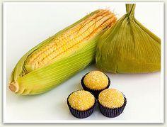 Ingredientes 1 Espiga de milho verde 1 Lata de leite condensado 1 Colher (sopa) de margarina Açúcar cristal Modo de preparo Bata o leite condensado com o milho no liquidificador, passe pela peneira...