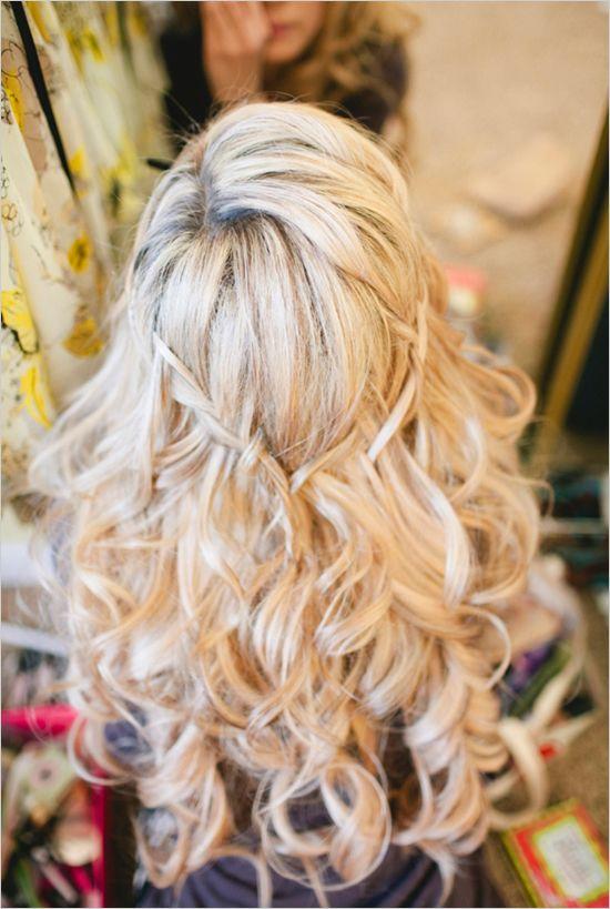 Beach Wedding Hairstyles 25 best half up wedding hair ideas on pinterest long bridal hair bridal hair half up and half up half down wedding hair Beach Wedding Hair Coiffure De Mariage